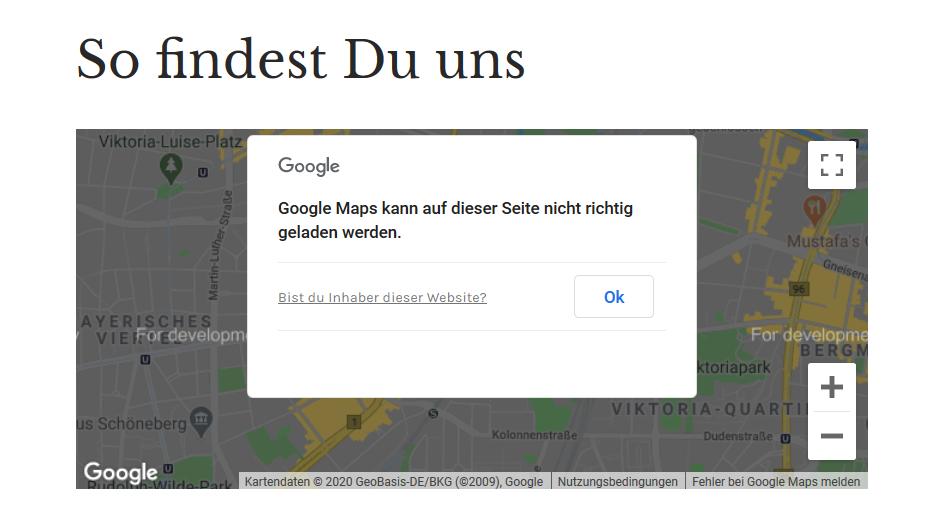 """Screenshot einer Website mit eingebetteter Karte von Google Maps und der Fehlermeldung """"Google Maps kann auf dieser Seite nicht richtig geladen werden."""""""